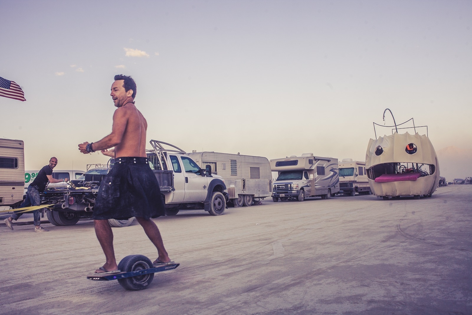 Burning Man - One wheel skateboard