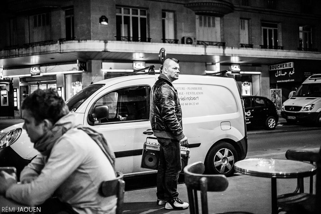 Photographe Paris - Serie People of Paris - Rue de la Roquette - Ghetto Blaster
