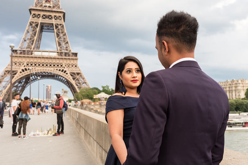 couple photoshoot paris honeymoon lovers photographer