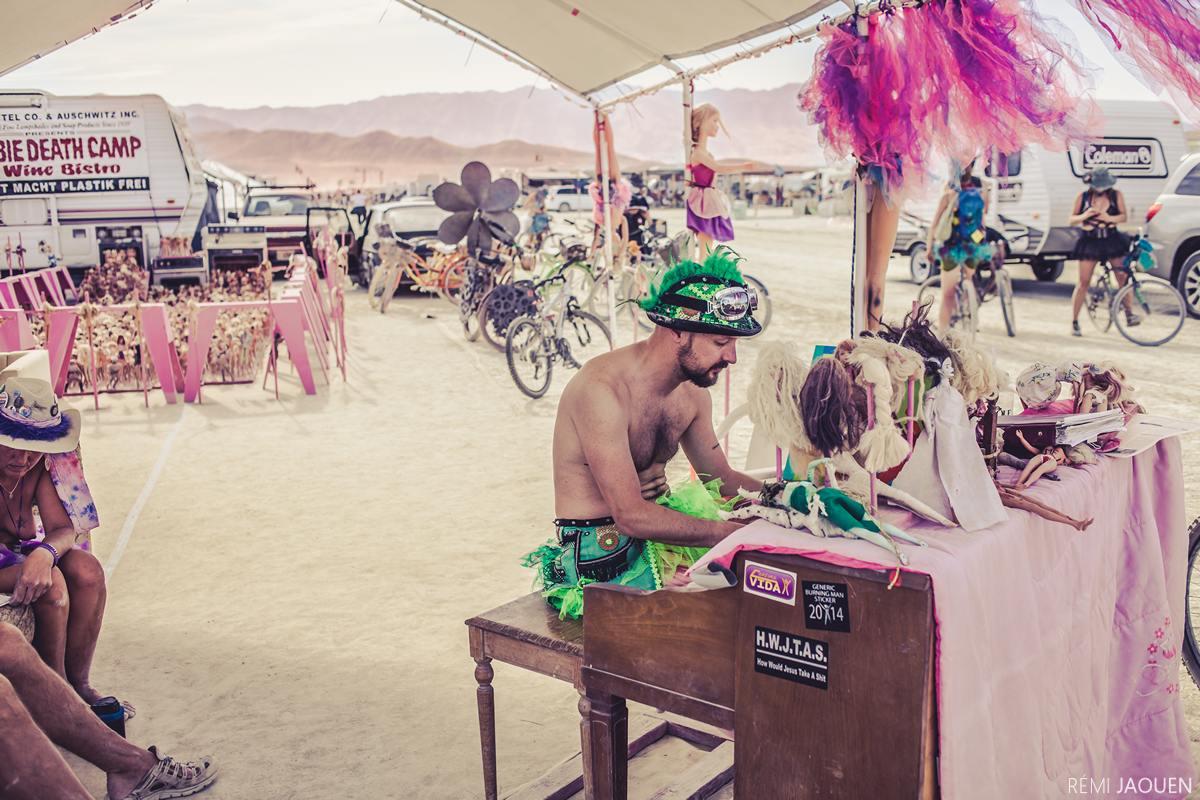 Burning Man - Playing piano