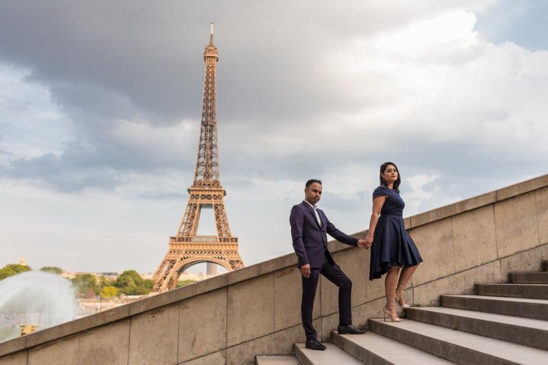 couple photoshoot paris honeymoon lovers photographer